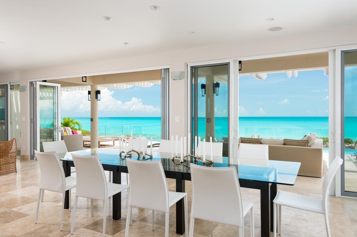 Villa Isla_dining room