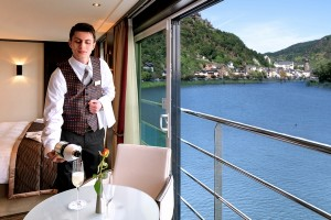ArtistryII_Panorama Suite_room service crew COCHEM