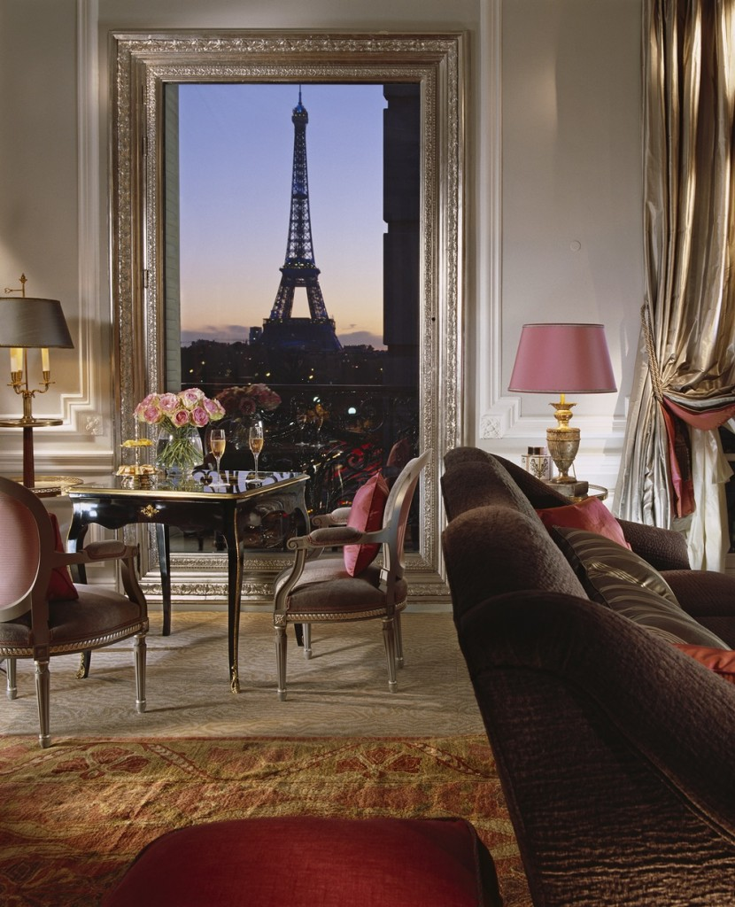 eiffel-suite-361-evening-view-hr-c-de-laubier