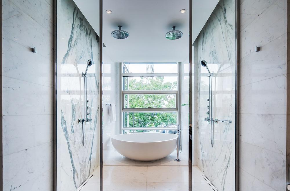 fspr-4br-master-bathroom-002