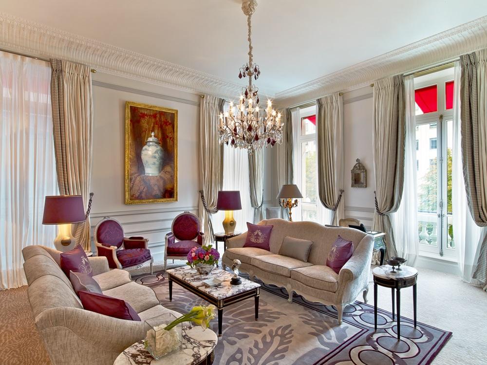 plaza-athenee-suite-prestige-215-216-hr-c-eric-laignel-1