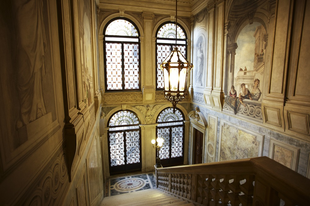 rs2164_aman-canal-grande-venice-grand-stairway