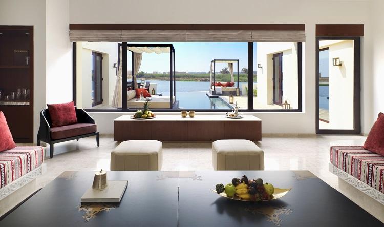 Al_Baleed_Resort_Salalah_by_Anantara_-_Lagoon_View_Infinity_Pool_Villa_Lounge