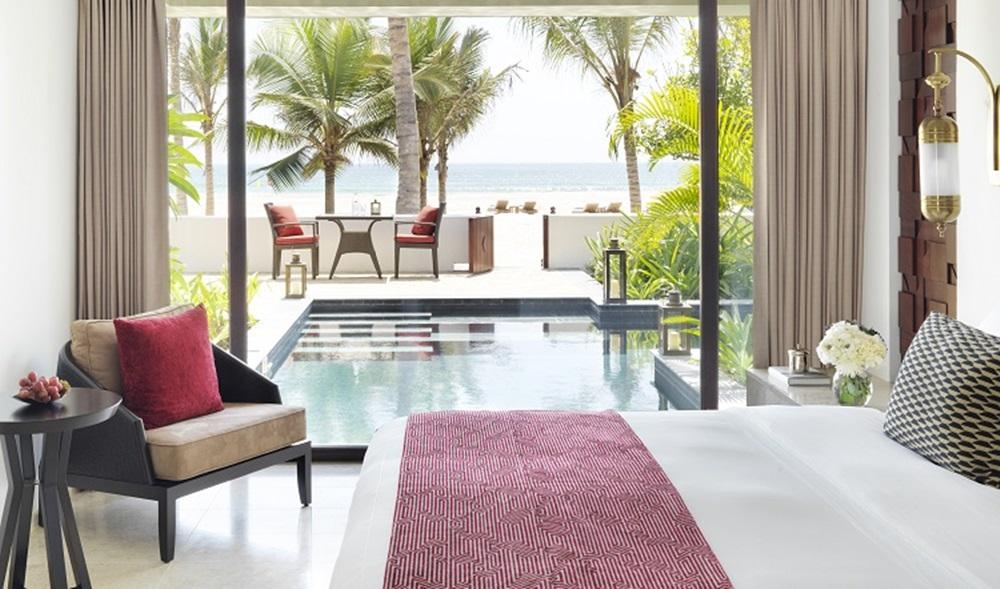Al_Baleed_Resort_Salalah_by_Anantara_-_One_Bed_Beach_View_Pool_Villa_Bedroom