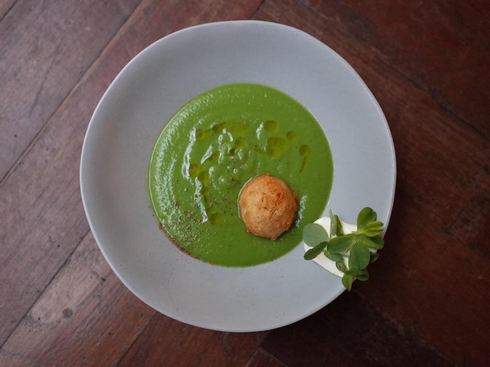 ACHOI春季新菜-豌豆湯、法式鮮奶油、葛瑞爾起士球、豌豆苗