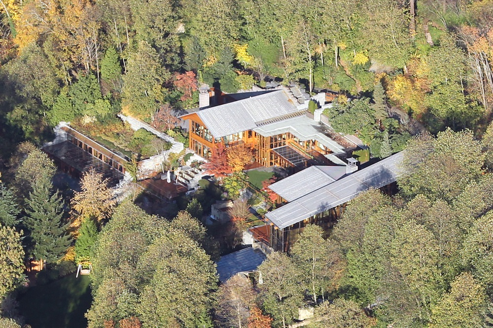 The Seattle home of Bill Gates. Pictured: Bill Gates' home Ref: SPL459897 201112 Picture by: Splash News Splash News and Pictures Los Angeles: 310-821-2666 New York: 212-619-2666 London: 870-934-2666 photodesk@splashnews.com