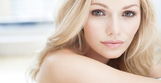 MODEL RELEASED. Young woman with blonde hair, portrait.