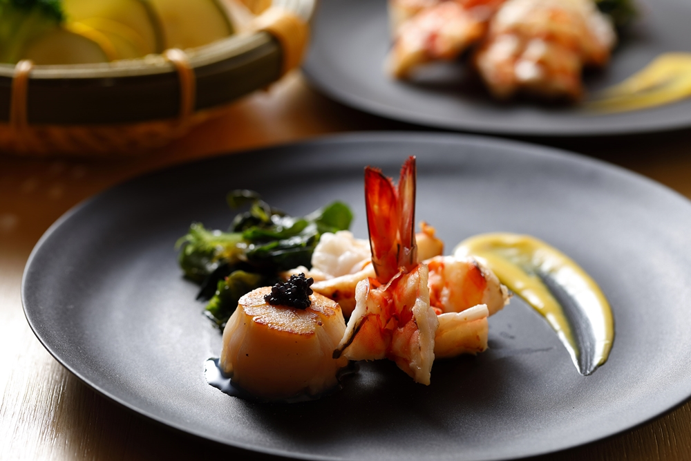樂軒和牛專門店台中店肉無敵雙人鐵板燒套餐-野生大明蝦+北海道干貝-橫