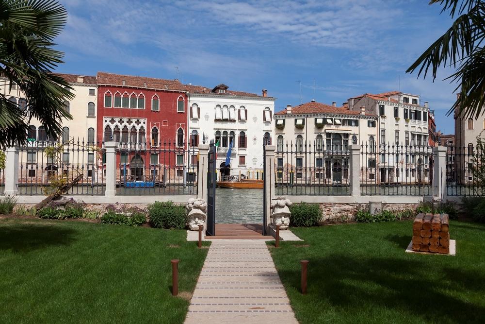 雲朗觀光集團位於威尼斯的雲水之都罕見地擁有臨大運河畔的獨立花園