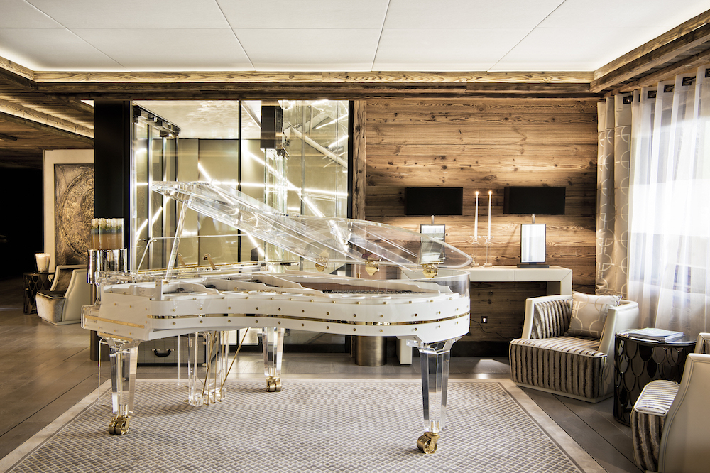 Ultima Gstaad Piano Lobby_FredericDucout