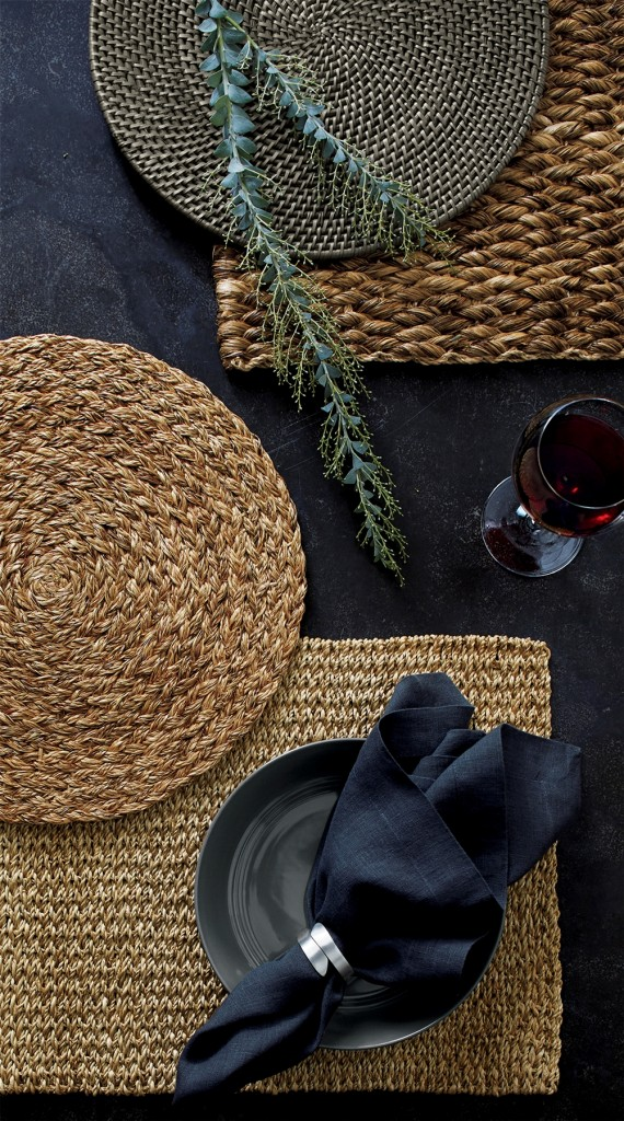 藤編餐墊__純樸美麗的外觀,充滿夏日的氣息!可與各式餐具完美搭配。