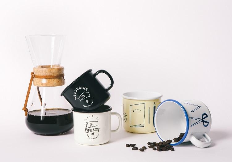07.誠品x CHALKBOY自製聯名商品「琺瑯杯」,共4款,400ml的容量裝杯補給靈感的咖啡剛剛好。250ml/$520、400ml/$620