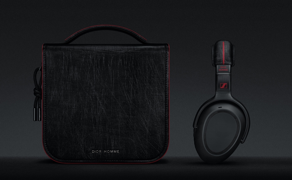 Daily Solution PXC_550 Sennheiser X Dior Homme headphone and Dior Homme pouch (NXPowerLite)