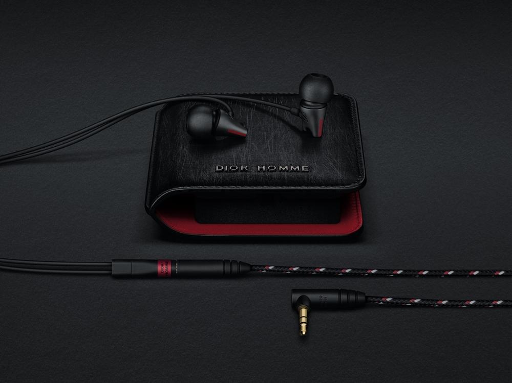 IE_800 Sennheiser X Dior Homme hearphones with Dior Homme case (NXPowerLite)