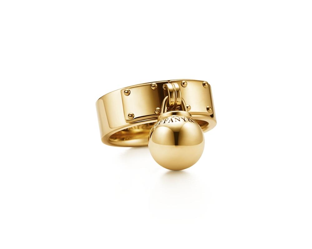 Tiffany HardWear 懸掛球形18K金戒指 NT$68,000