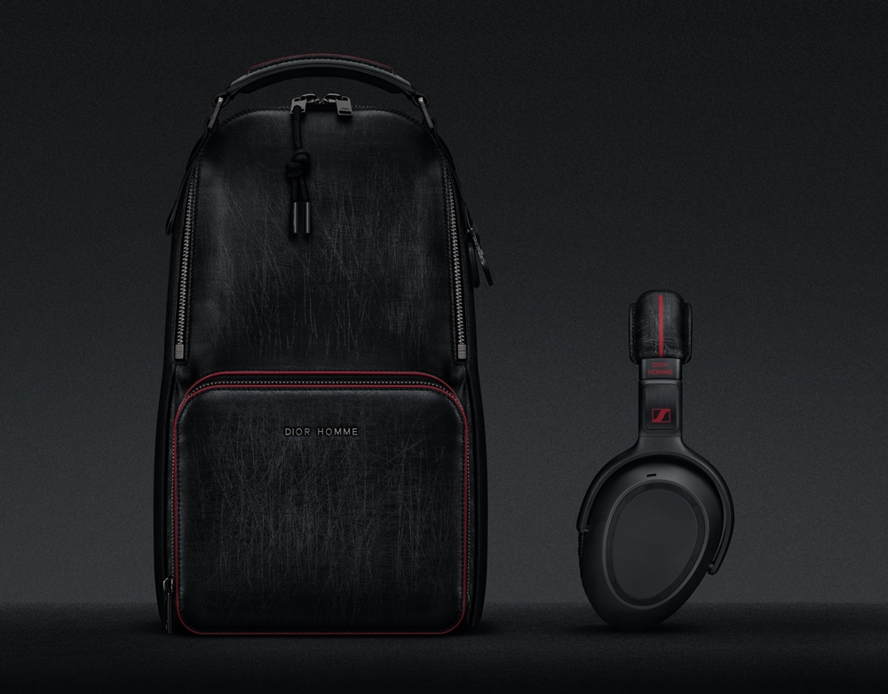 Travel Solution PXC_550 Sennheiser X Dior Homme headphone and Dior Homme backpack (NXPowerLite)