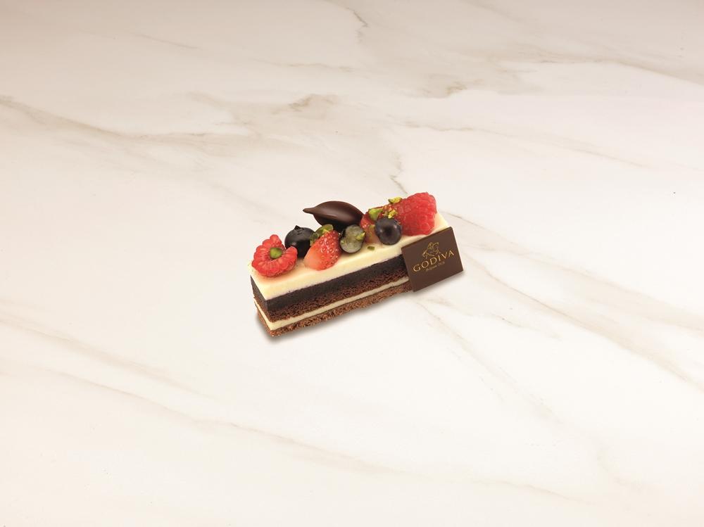 GODIVA白巧克力藍莓蛋糕NT$200