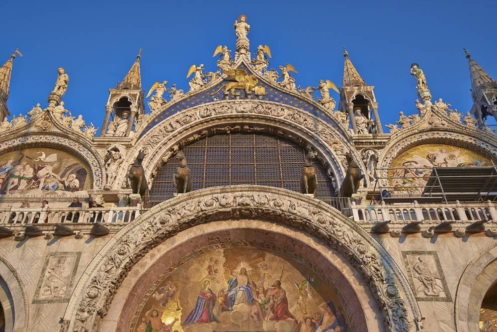 RS1745_Aman Canal Grande Venice - Facade of Basilica SM