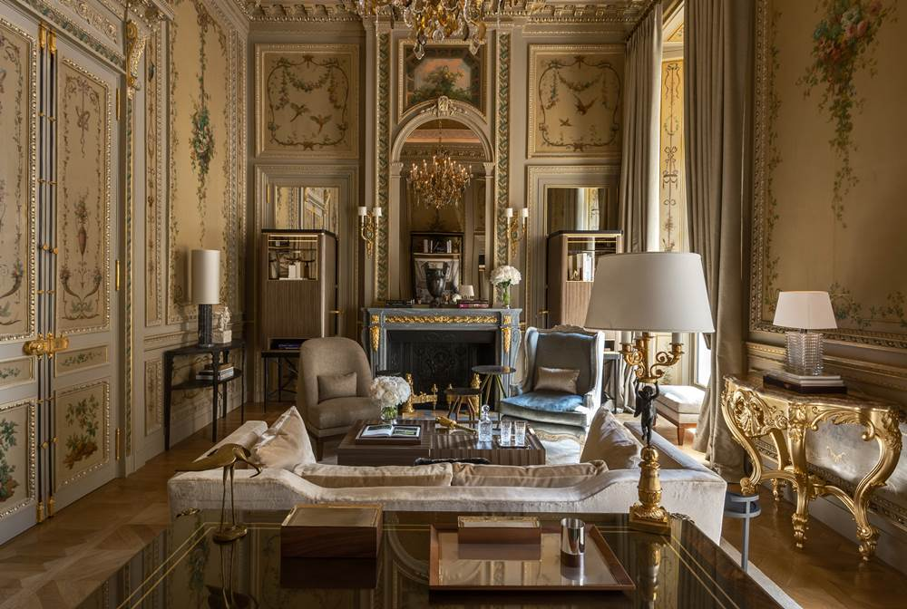 Suite-Duc-de-Crillon-209-living-room