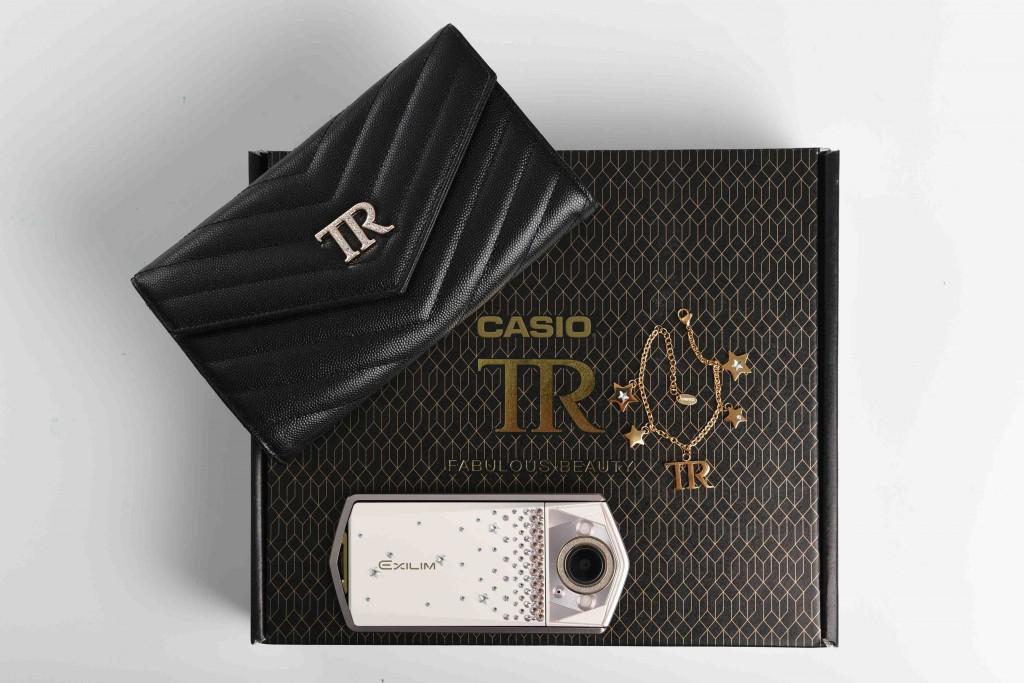 【圖說6】TR80SW璀璨施華特仕限量組合建議售價新台幣25,990元