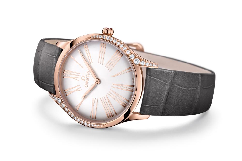 躺面_428.58.36.60.02.001_碟飛系列TRÉSOR腕錶36毫米 18K Sedna™金鑲鑽錶款_建議售價NTD282,700