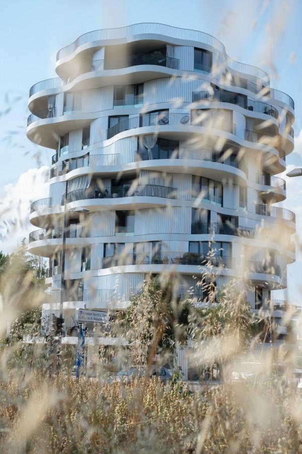 Folie Divine Housing 1 @Stephen Gill HR
