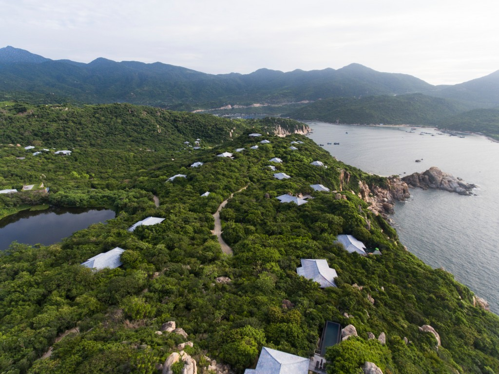 (1)Amanoi, Vietnam - Aerial View from the Resort to the Ocean_Bay_High Res_15156