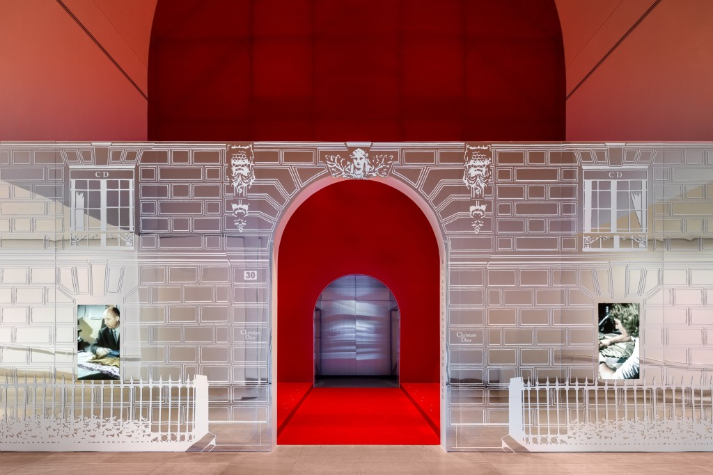 (1)DIOR_DALLAS EXHIBITION_SCENOGRAPHY_©JAMES FLORIO_2
