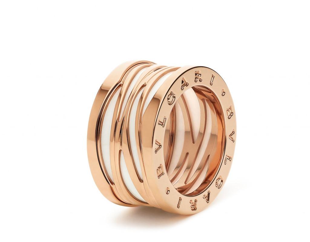 AN858574_B.zero1 Design Legend系列玫瑰金白陶瓷四環戒指,參考價格約 TWD 78,800元