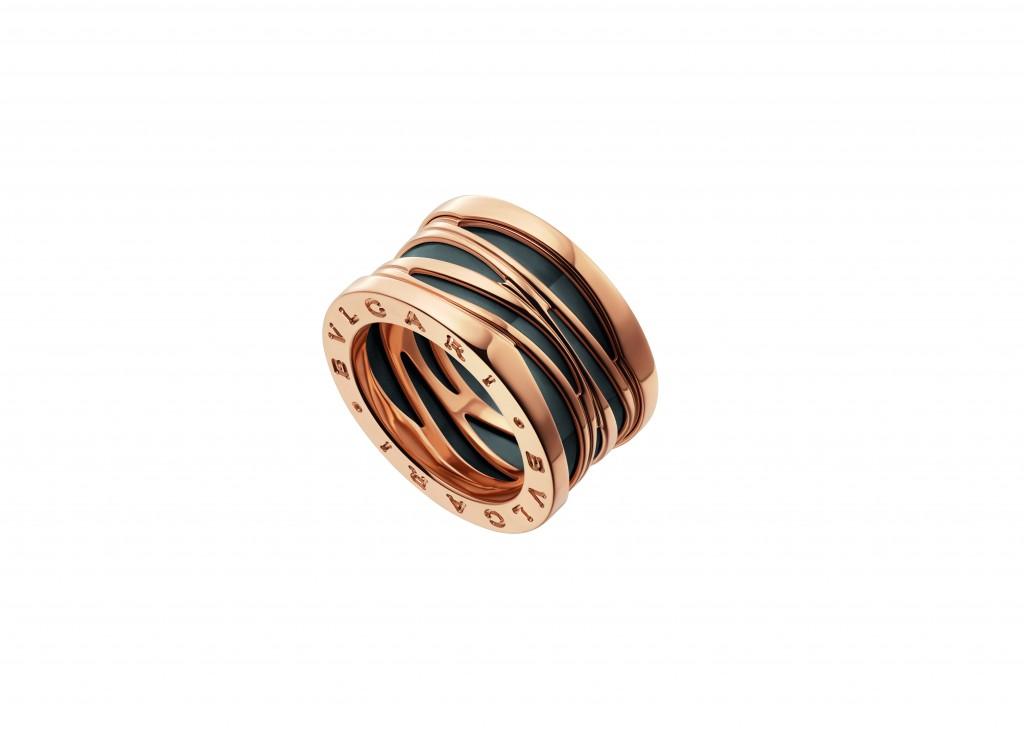 AN858575_B.zero1 Design Legend系列玫瑰金黑陶瓷四環戒指,參考價格約 TWD 78,800元
