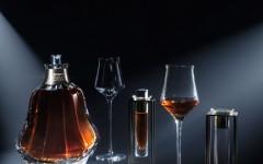 Arik Levy悉心設計一套侍酒儀式,力求品鑑過程更為精準