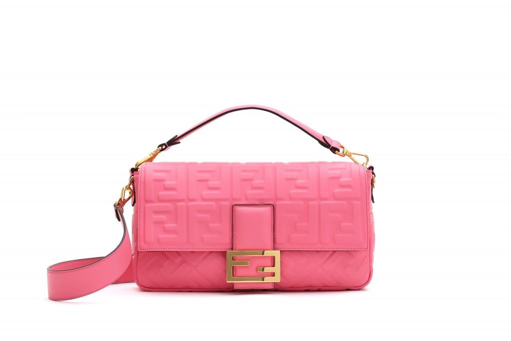 FENDI 亮粉色 Baguette Large_建議售價 NT$100,000 (1)
