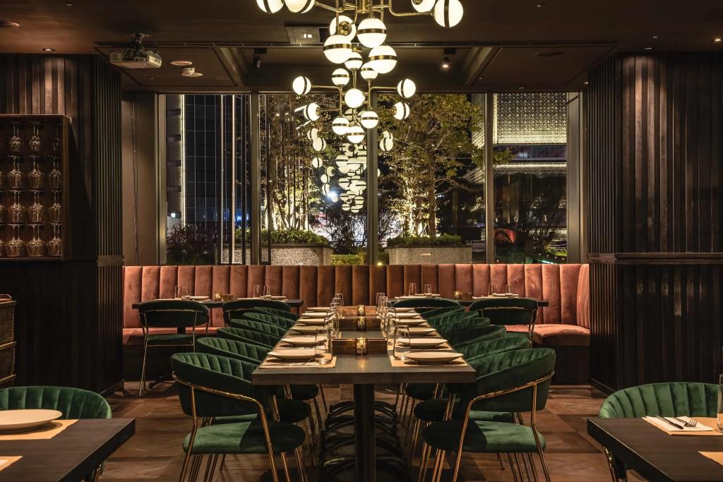 Wildwood打造極佳氛圍用餐空間,即使享用粗獷燒烤料理也可時尚優雅 (1)