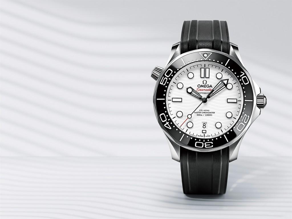 形象圖(2):歐米茄海馬潛水300米系列同軸擒縱42毫米大師天文台錶_白色錶盤款:不鏽鋼錶殼搭橡膠錶帶