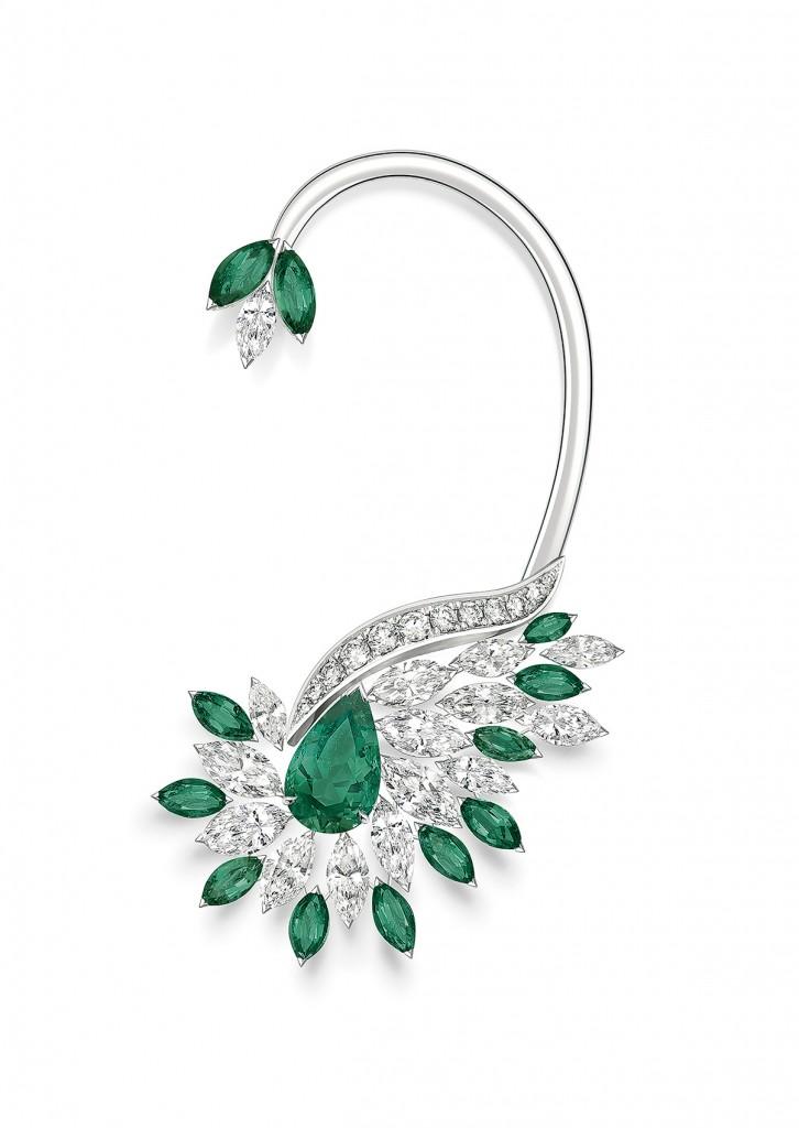 PIAGET Golden Oasis-Native Bloom「漠地蕾絲」祖母綠頂級珠寶鑽石耳掛,建議售價NT$5,350,000