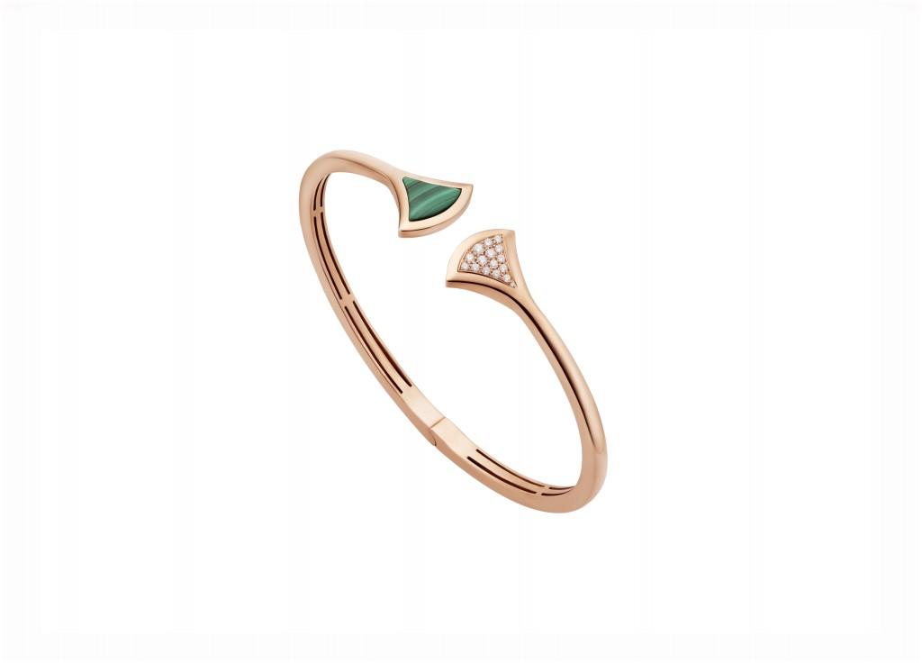 BVLGARI Divas_ Dream系列玫瑰金孔雀石鑲鑽手環_參考售價約新台幣177,400元
