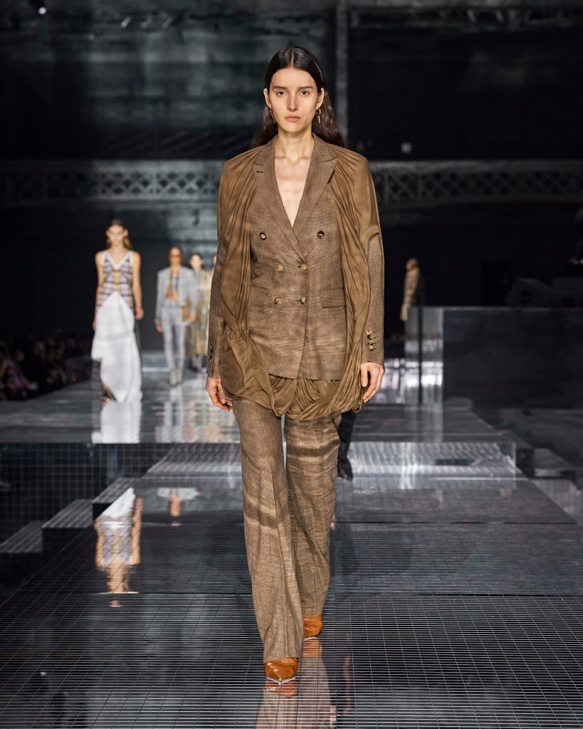 Burberry Autumn_Winter 2020 Collection - Look 41 (1)
